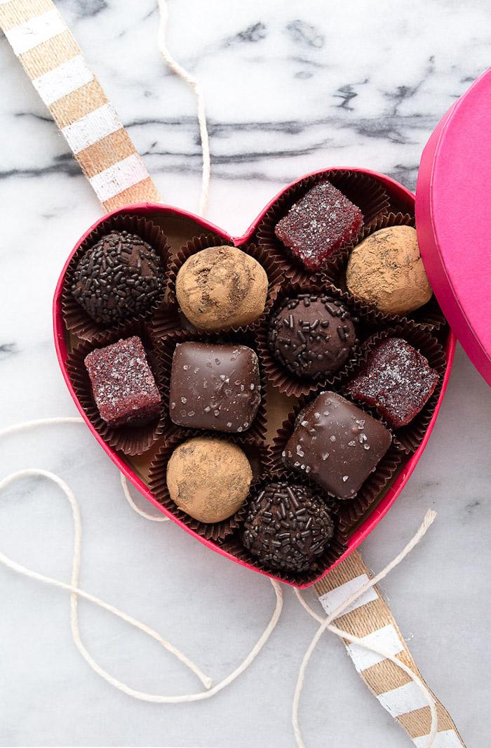 praline - die besten geschenke zum valentinstag süßigkeiten sind von allen beliebt und gemocht
