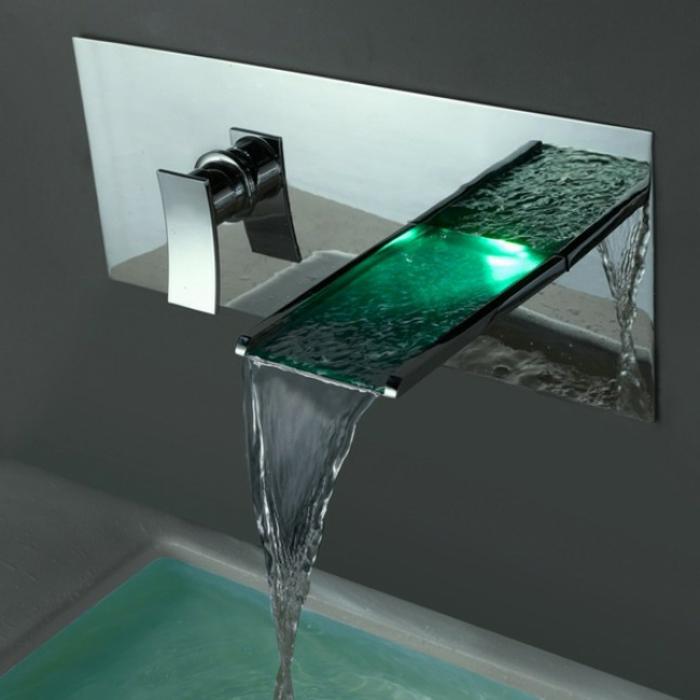 Wasserhahn mit grüner LED-Lampe, Wasserhahn mit LED-Beleuchtung und Wasserhahneffekt