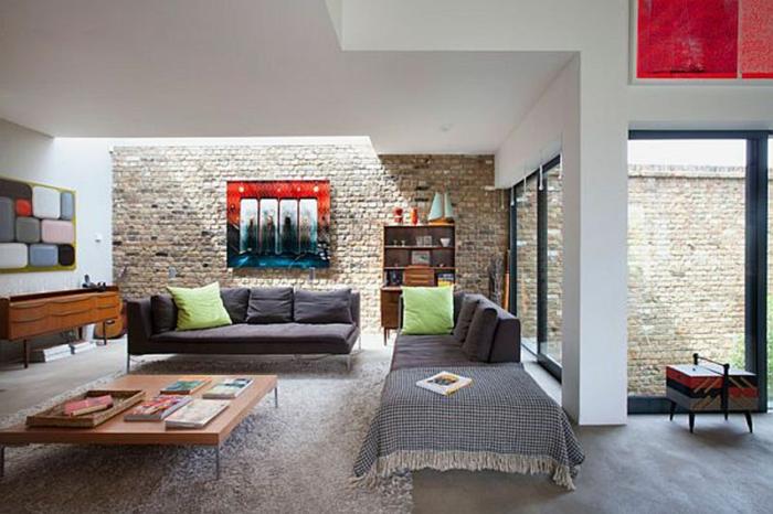 Wand Steinoptik als ob sie die äußere Wand ergänzen würde, moderne Einrichtung