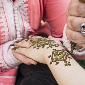 Henna Tattoo selber machen: So geht es!