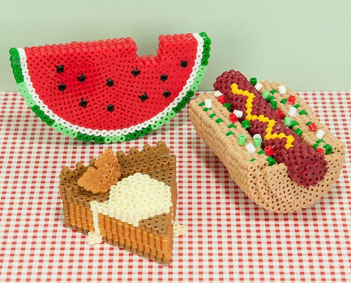 Lebensmittel selber gestalten - Bügelperlen Ideen in 3D - Melone, Torte und Hot Dog