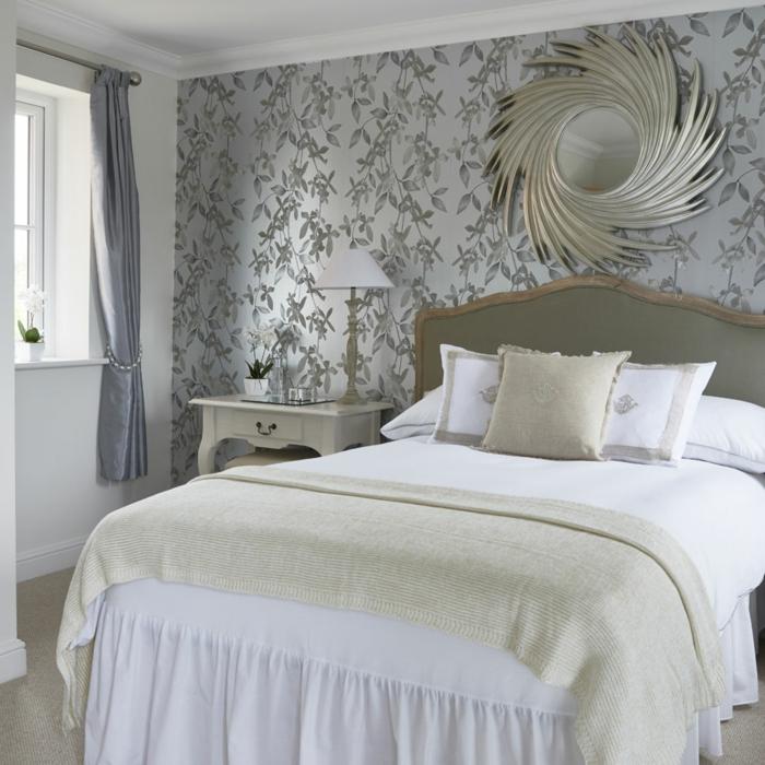 ein Spiegel mit gerundeter Dekoration, Schlafzimmer Inspirationen für vintage Schlafzimmer