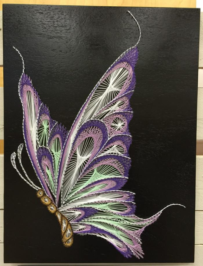 ein buntes Bild von Schmetterling, Fadenkunst für Fortgeschrittenen in fünf Farben