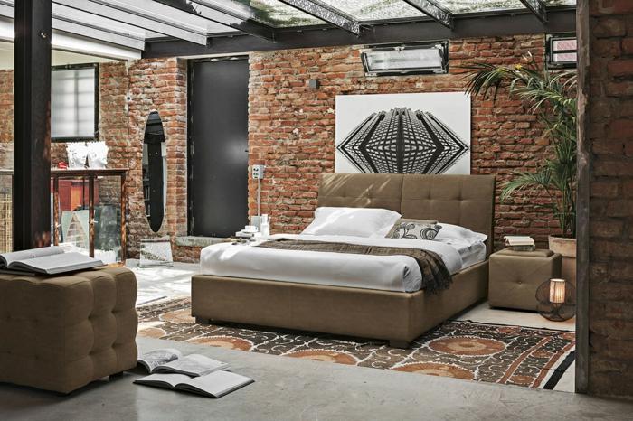Schlafzimmer einrichten Beispiele, Wände in Backstein Optik, kleines, braunes Bett