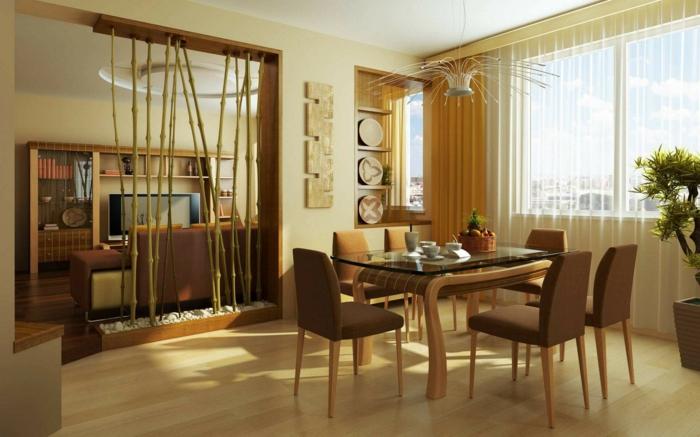 schlaue Raumteiler Ideen aus natürlichen Materialien zwischen Esszimmer und Wohnzimmer