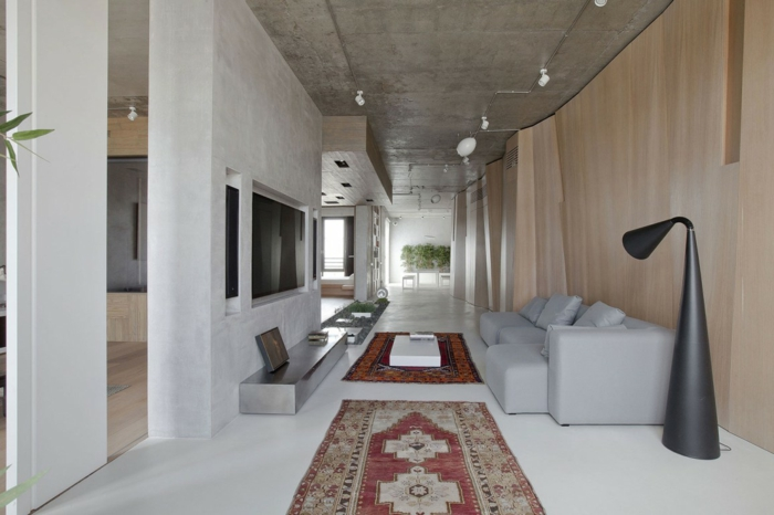 eine außergewöhnliche Wohnung, mit zwei Perserteppichen, massive Raumteiler Ideen