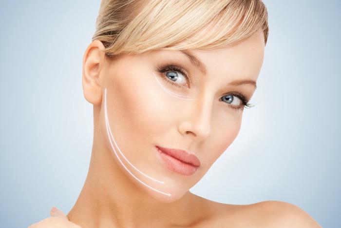 richtige gesichtspflege für schöne haut, gute gesichtscreme mit anti-aging-effekt