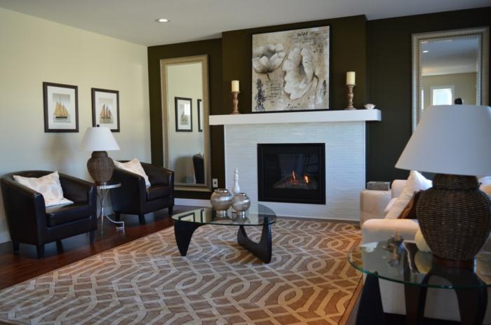 bunter Teppich, Wohnwand selber zusammenstellen, mit Spiegeln, Bildern und Kerzenständer