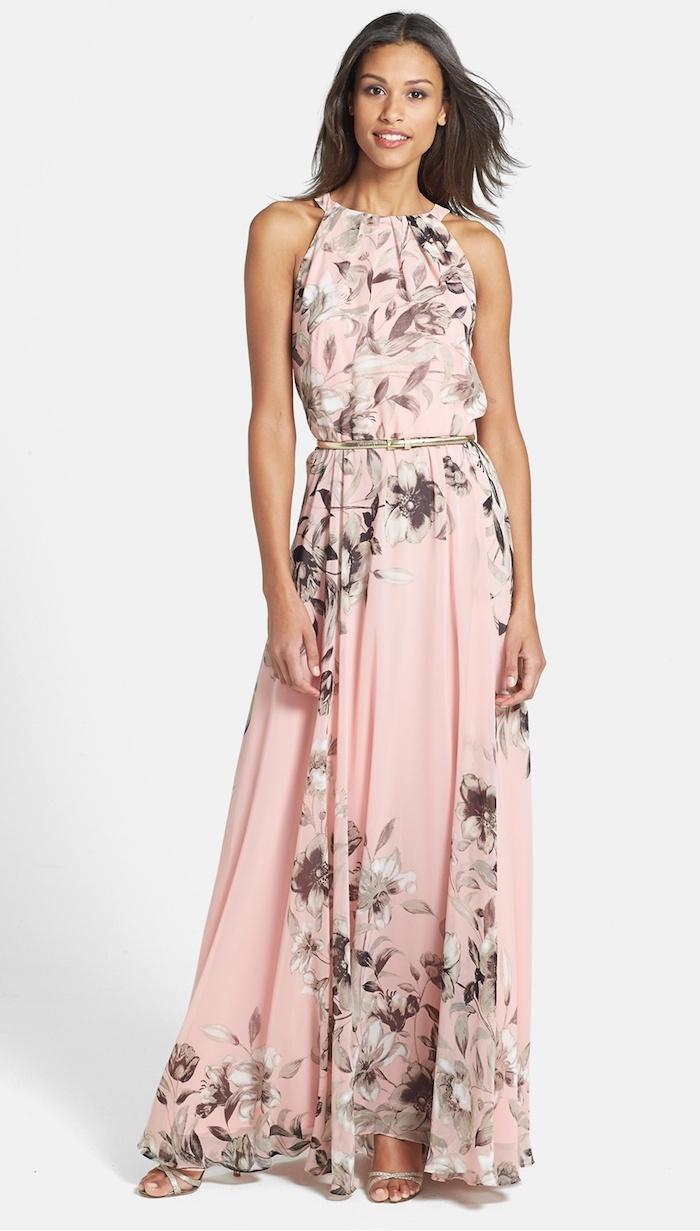 hochzeitskleider gast langes rosa kleid mit blumen in grau verziert schöne dame gäste