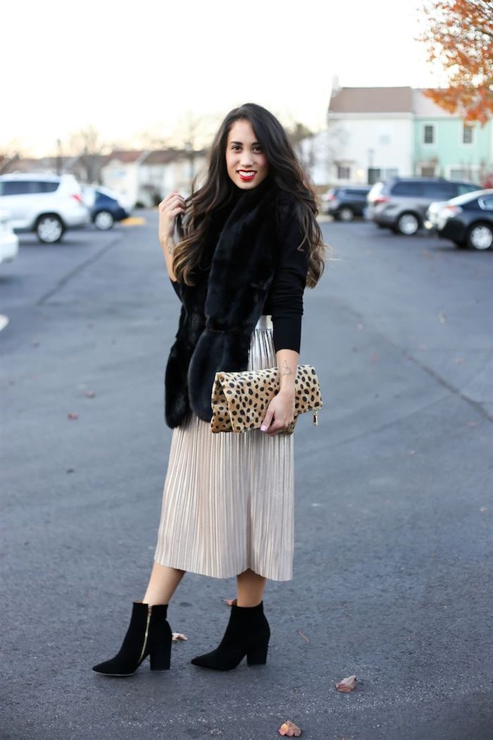 schöne ideen hosenanzug damen hochzeit oder kleid goldenes kleid mit schwarzen stiefeletten kombinieren