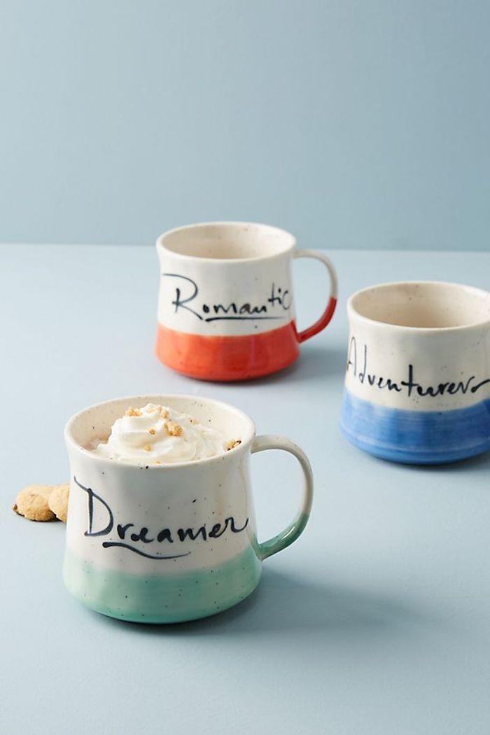 Weiße Tassen aus Keramik mit Permanentmarker beschriften, für Träumer, Romantiker und Abenteurer