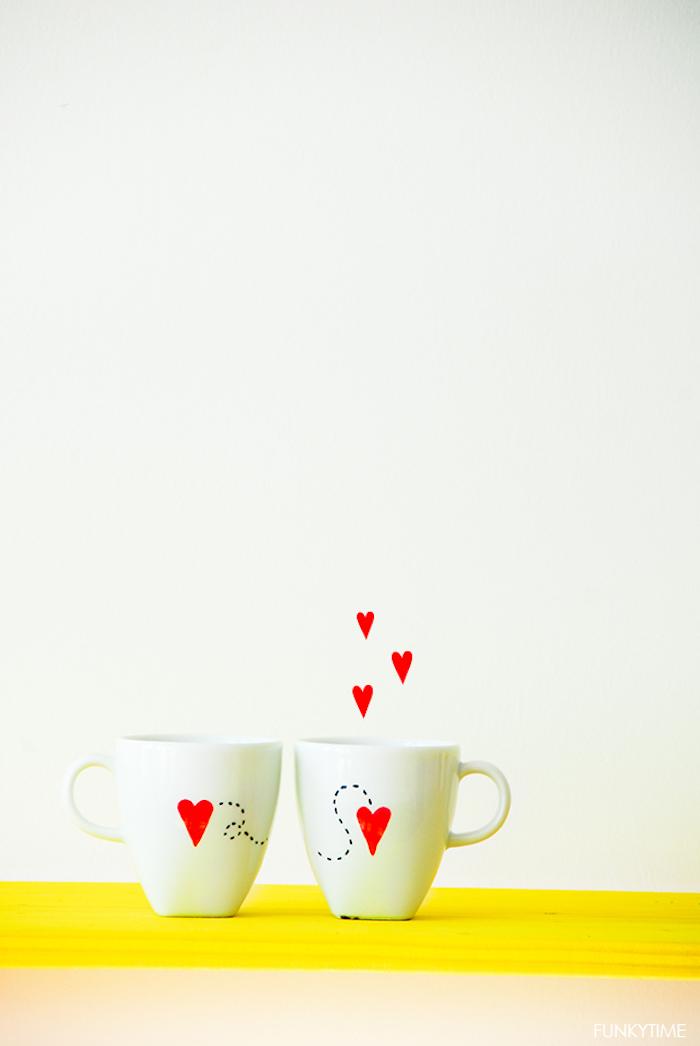 """Tassen für verliebte Paare """"Ich vermisse dich"""" mit kleinen roten Herzen"""