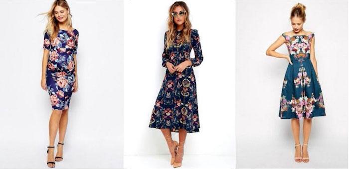 bunte kleider für hochzeit florale motive dunkelblaues kleid mit rosa blumen oder anderen motiven