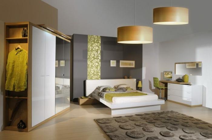 graue Wand mit grüner Dekoration, Schlafzimmer Ideen für moderne Gestaltung