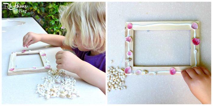 muscheln basteln, basteln mit kindern, bilderrahmen mit kleinen rosa muscheln verschönern