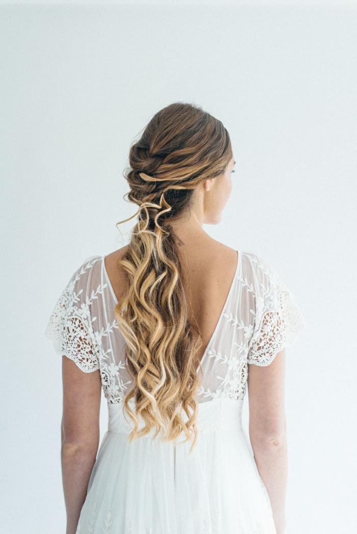 braune Haare mit Ombre Strähnen, geflochten am Genick, Flechtfrisuren lange Haare