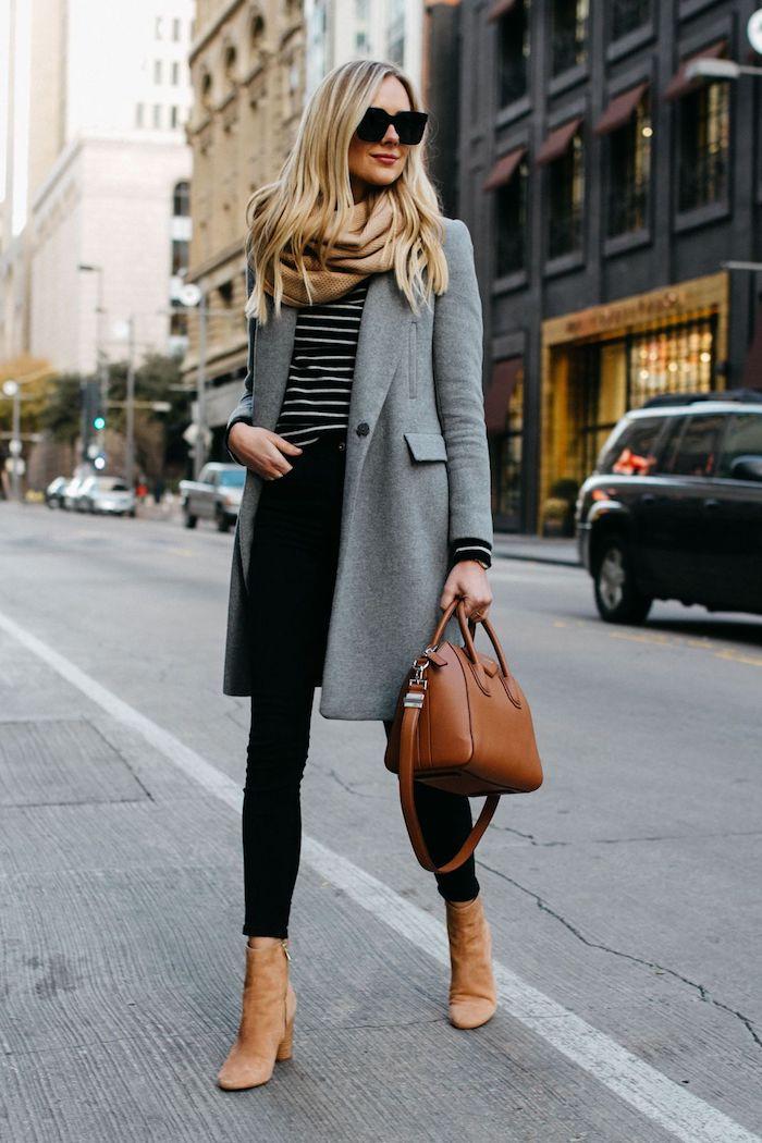 outfit zusammenstellen, schwarze hose mit gestreifter bluse, braune tasche und braune schuhe