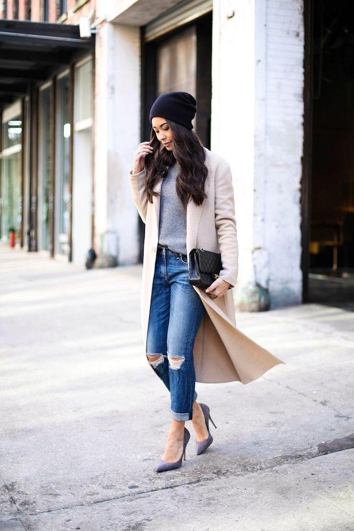 outfit zusammenstellen, sportlich-eleganter winter-outfit, jeans mit grauer bluse, spitzschuhe