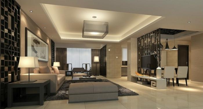 ein enormes Wohnzimmer, Raumteiler Trennwand, die auch Fernsehwand ist