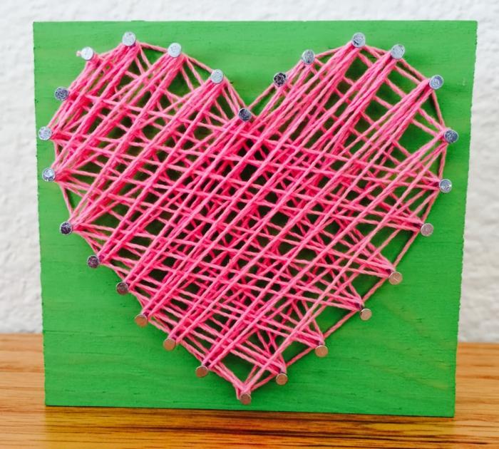 Sagen Sie Ich liebe dich mit einem rosa Herz, wir bieten Fadengrafik Anleitung