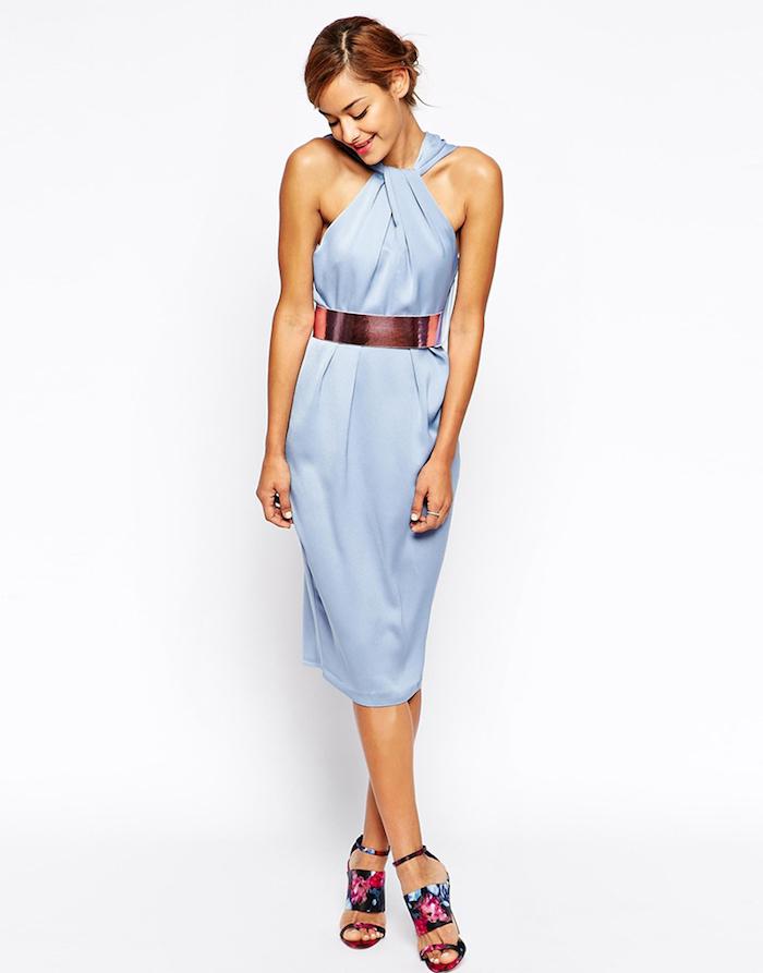 lange kleider für hochzeitsgäste unterknielanges outfit für die damen mit stil bunte sandalen gürtel
