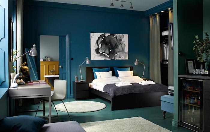 Schlafzimmer in Pastelltönen, eine Oase der Entspannung und des Wohlgefühls