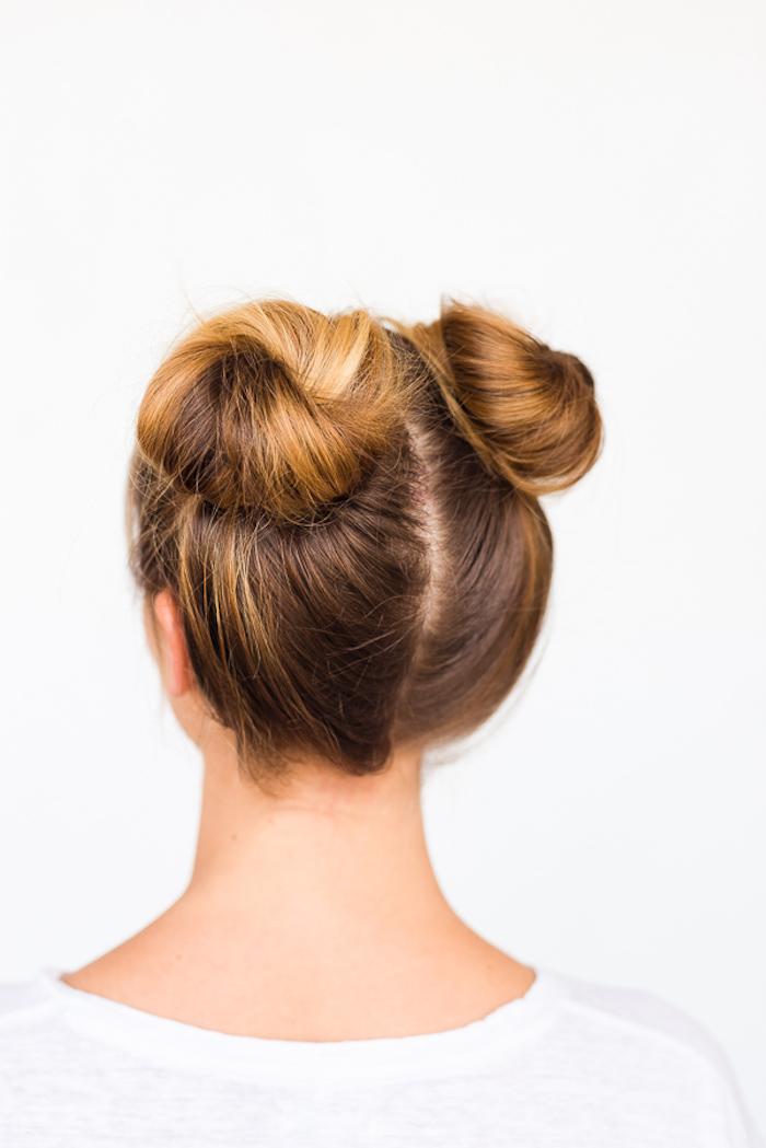 schöne frisuren, alltagsfrisur mit zwei dutts, dutt-frisur selber stylen