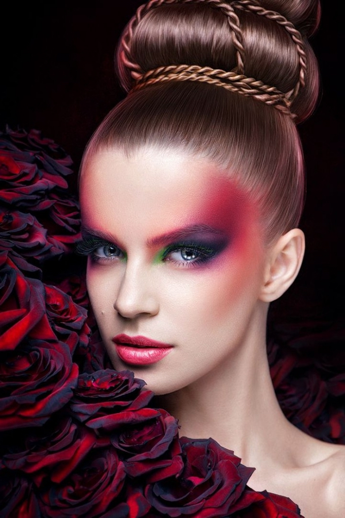 rosa oder roter lippenstift auftragen, buntes make up, rote rosen gebundene haare