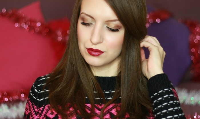 dunkle farbe lippenstift auftragen, einfach oder nicht, braune haare, pullover, rosa pulli