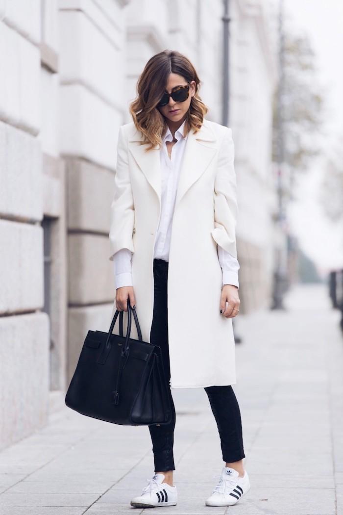 schuhtrends herbst winter 2017 18, sportlich-eleganter outfit in schwarz und weiß