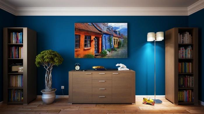 ein Wohnzimmer Wohnwand selber zusammenstellen, ein schönes Bild und eine praktische Lampe