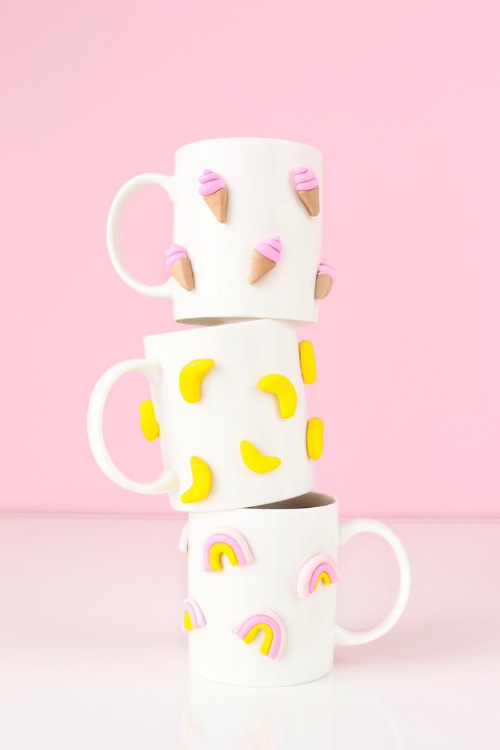 3D Tassen selber machen, kleinen Bananen, Eis und Regenbogen aufkleben