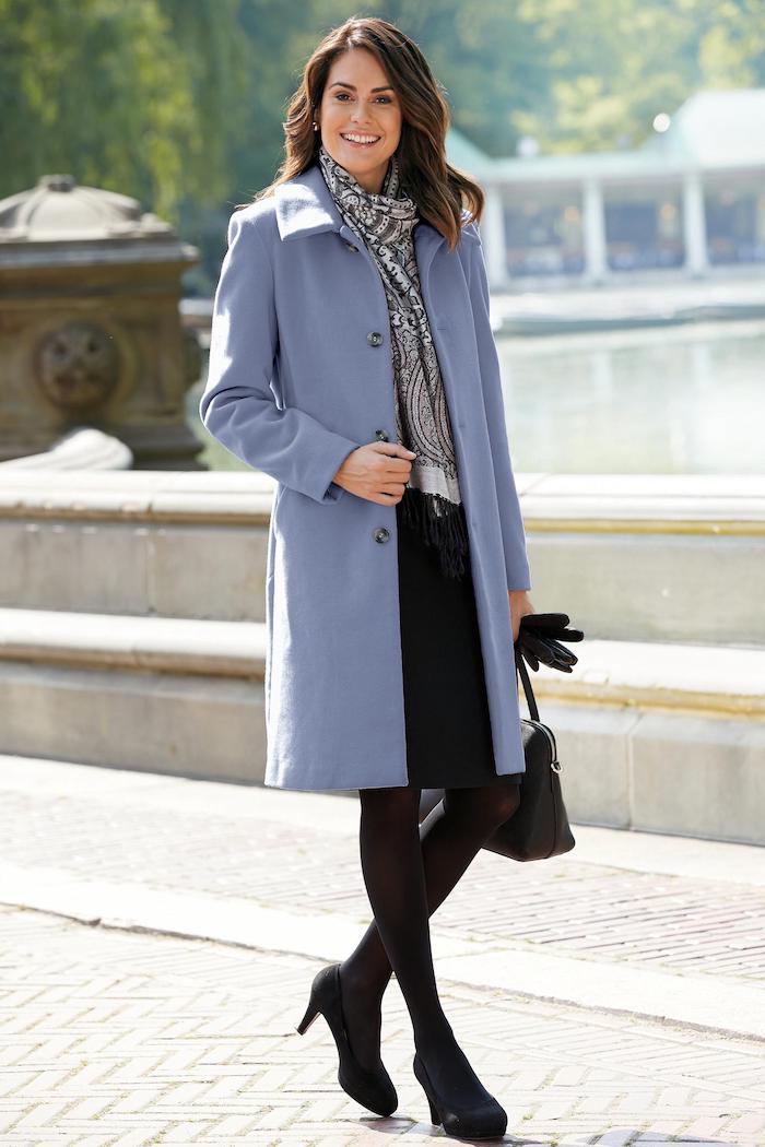trendfarben herbst winter 2017 18, büro outfit in schwarz und grau, grau-blauer mantel
