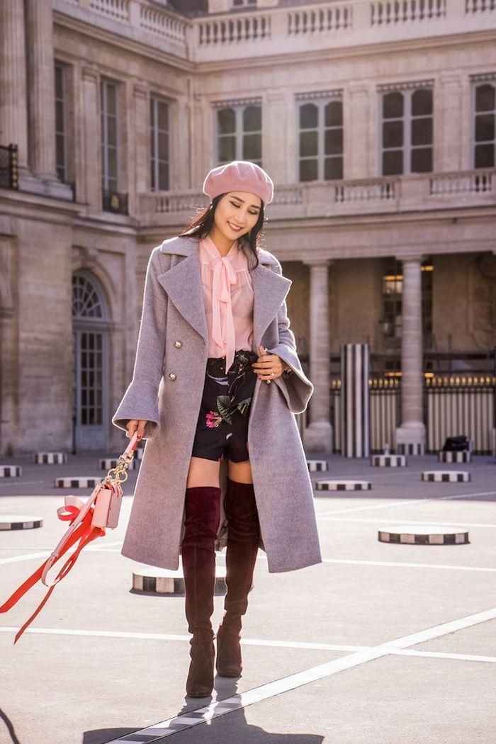 trendfarben herbst winter 2017 18, rosa bluse kombiniert mit schwarzer hose mit blumen-motiv