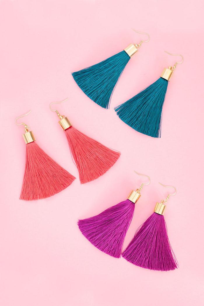 Selbstgemachte Ohrringe in Blau Violett und Koralle, DIY Geburtstagsgeschenk für Freundin