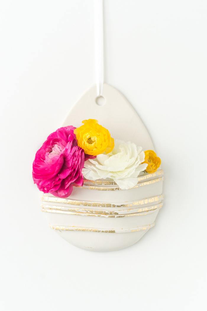 Anhänger aus Fimo, mit echten Blüten, DIY Idee für Frühlingsdekoration
