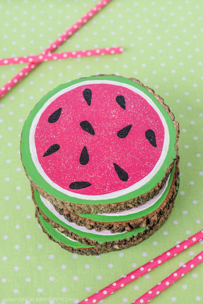 Wassermelone Untersetzer für Gläser selbstgemacht, leichte DIY Idee zum Nachmachen
