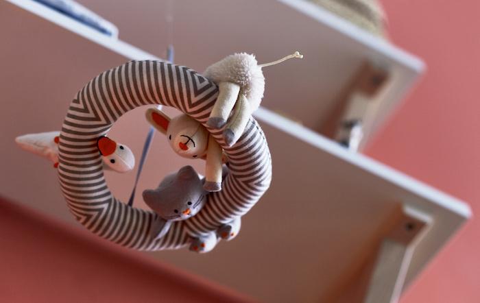 Süße Mobile Ente Katze und Lamm, Spielzeug und Dekoration zugleich, Deko Ideen fürs Babyzimmer