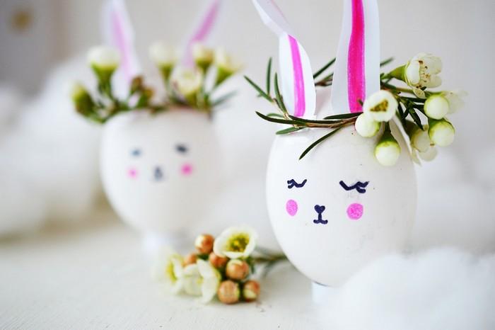 eier anmalen eier färben kinde eier färben natur ostereier färben basteln weiße eier als osterhasen bemalen weiß mit blümchen