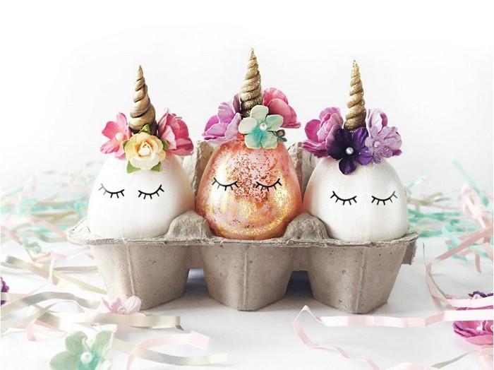 eier anmalen ostereier muster eier färben natur unicorn muster drei eier einhorn gold weiß blümchen deko
