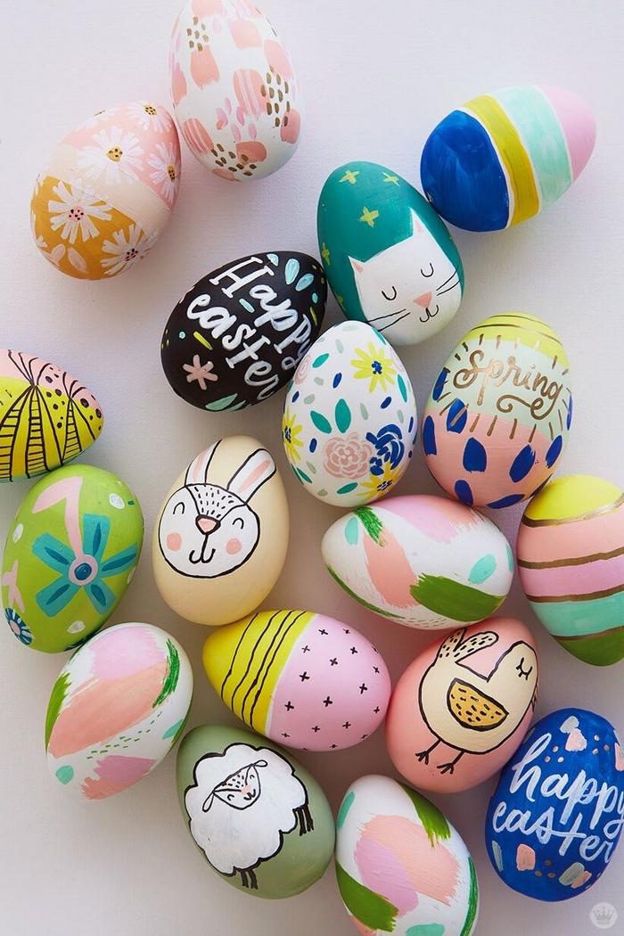 eier bemalen muster eier anmalen eierfarben selber machen eier färben unterschiedliche mustern hase schaf blumen überschrifte