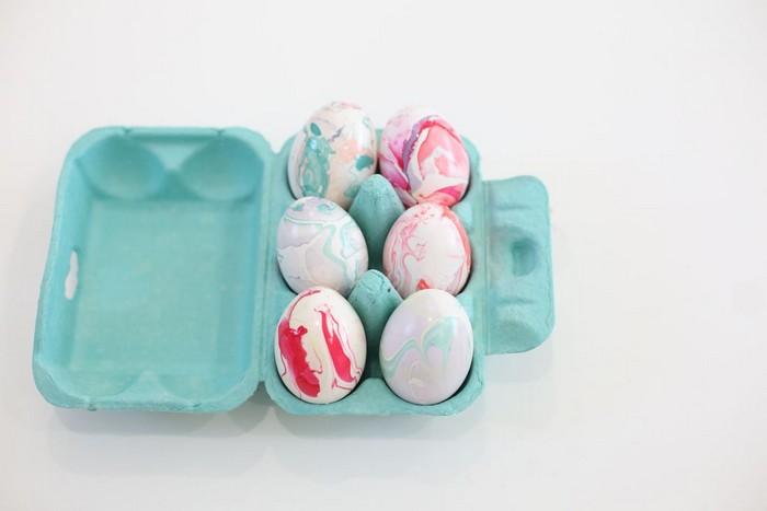 eier bemalen muster eier färben natur eier färben mit zwiebelschalen eier anmalen eierkarton mit sechs eiern