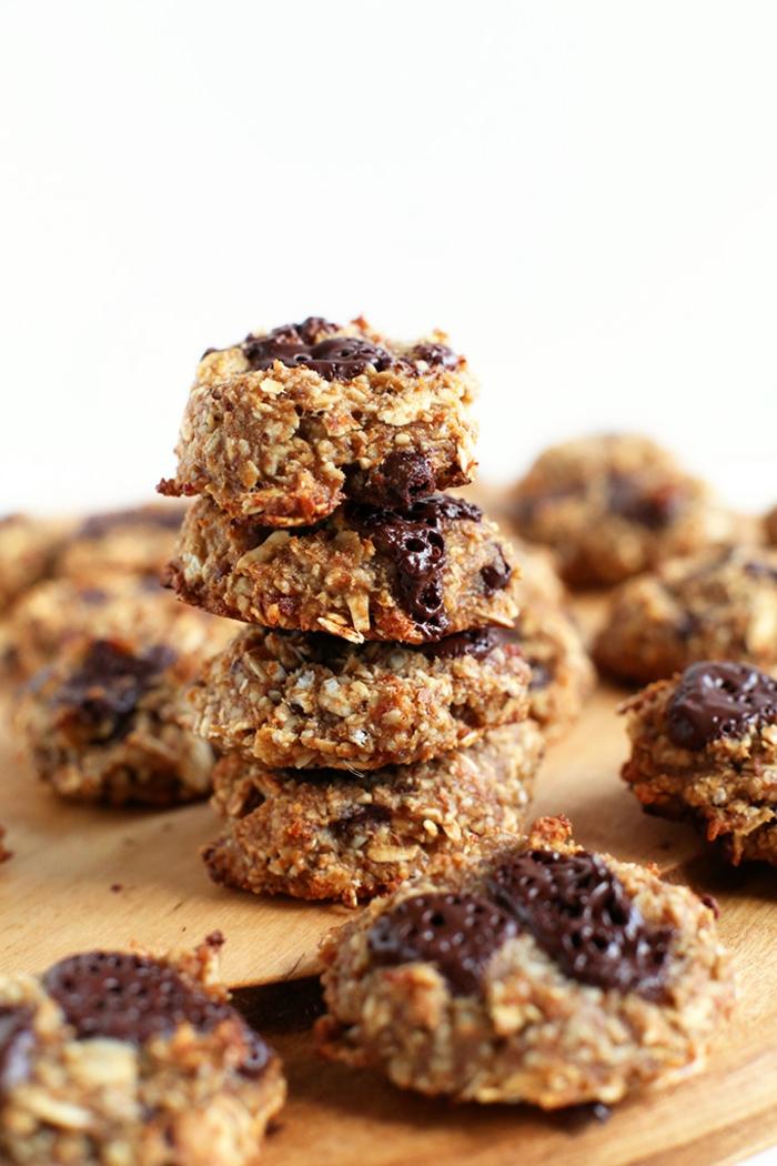 abnehmen tipps ideen, gesunde snacks, haferflocken, schokolade, nüsse, trockene früchte