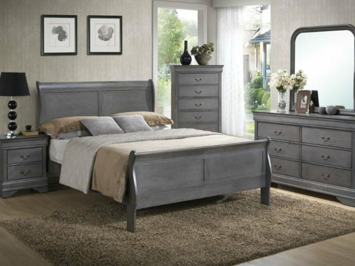 Schlafzimmer Farbe, graue Schattierung, ein Regal mit einem großen Spiegel