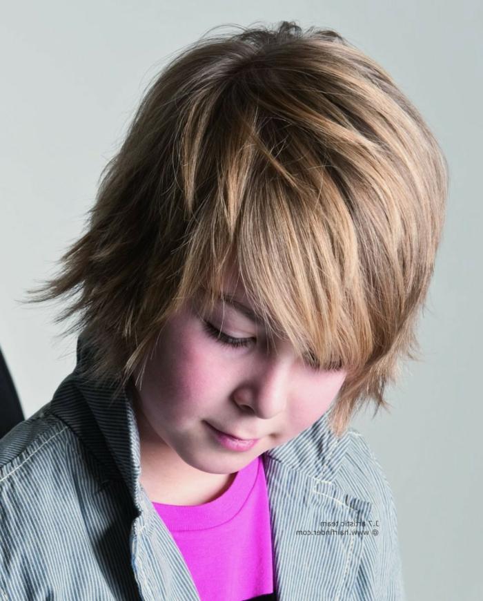 lange Haare mit lässiger Frisur wie einer Prominente, Kinderhaarschnitt
