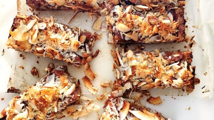 müsliriegel selber machen kalorienarm, kokosnussriegel hausgemacht, essen gesund