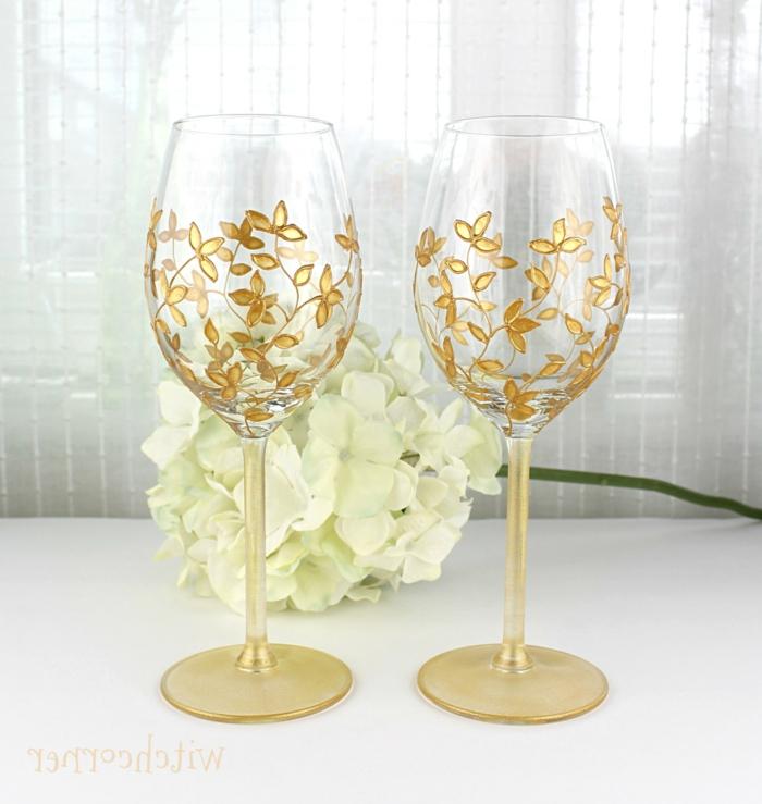 goldene Blüten, Acrylfarbe auf Glas, für den ersten Trinkspruch des Brautpaars