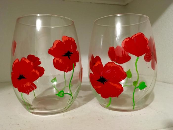 viele Mohnen auf zwei Gläsern, rote Schönheit, Acrylfarbe auf Glas, Gläser zum Wassertrinken