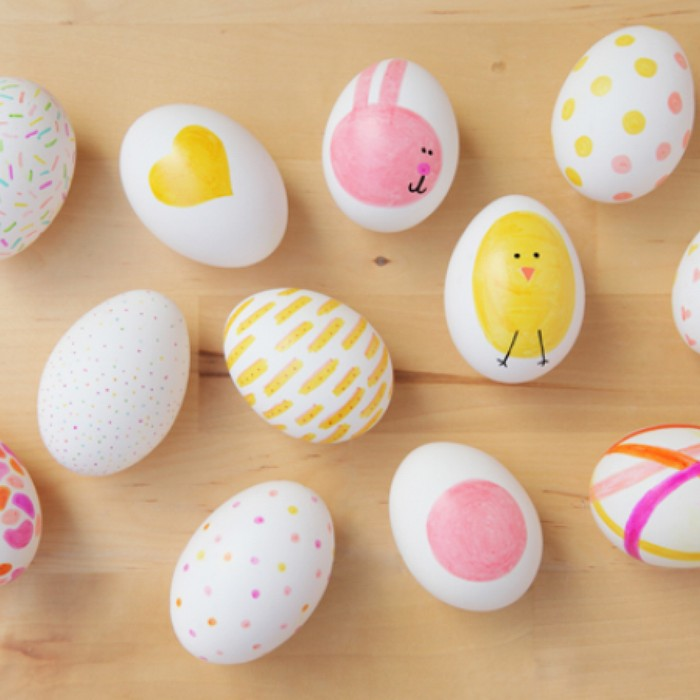 ostereier bemalen ostereier muster eier färben kinder weiße eier hase hähnchen streichen rosa gelb