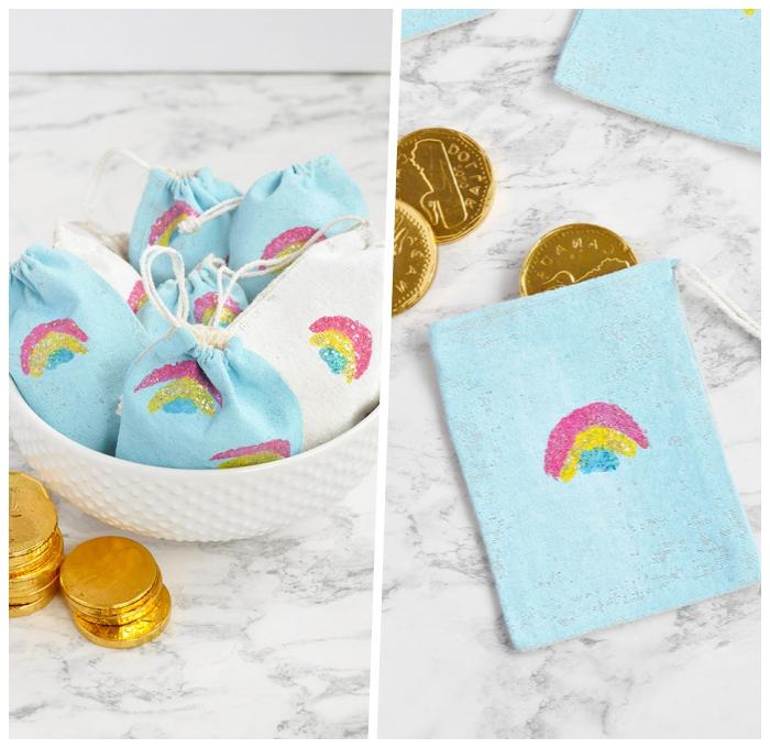 ostergeschenke basteln, kleine beutel au stoff gefüllt mit goldenen münzen und kleinen leckereien